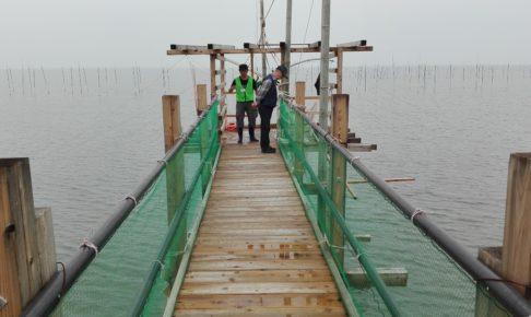 柳川のクモデ網の通路と有明海
