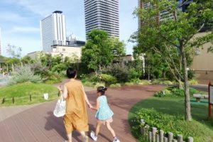 武蔵小杉で公園機能を果たしているイオンの屋上