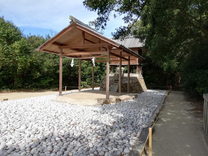 神社そのものがアート作品になっている家プロジェクトの「護王神社」