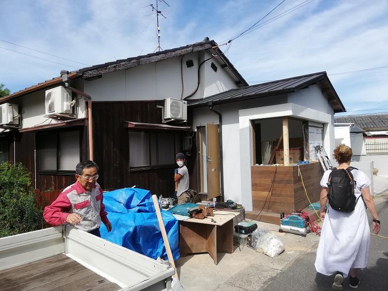 直島で店舗に改装中の住宅