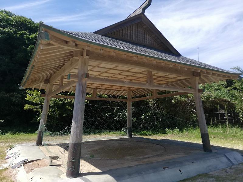 大祖神社のそばにある土俵。毎年9月に奉納相撲が行われる